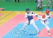 지난달 16일 A군의 경기 장면. 코치가 기권을 뜻하는 흰 수건을 내려놓고 있다. [동영상 캡처]