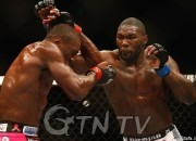 resize_0429ufc172_09_Davis_Johnson_14_59_20140429110303